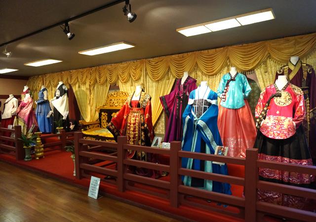 costumeexperience140110-2